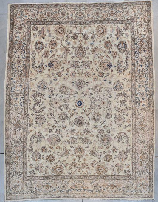 5594 Tabriz rug