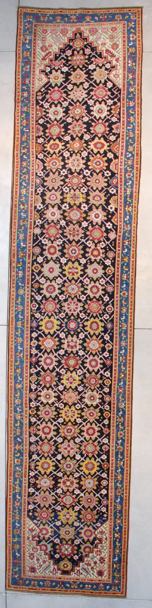 7628 Karabaugh runner rug