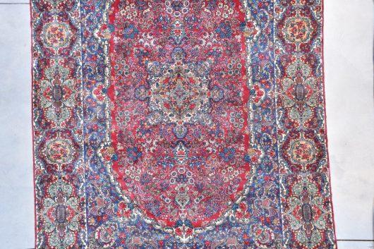 7753 Kerman rug close