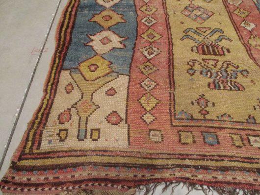 7916 manastir rug closeup image